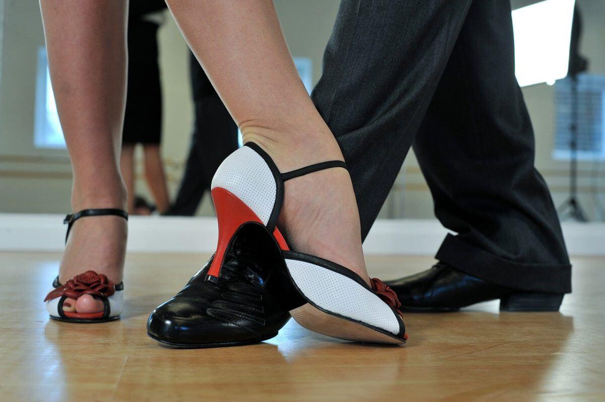 Latin dance classes in london